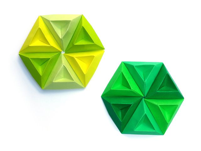 Tricorne Pixels for 3D Paper Wall Art - step 2