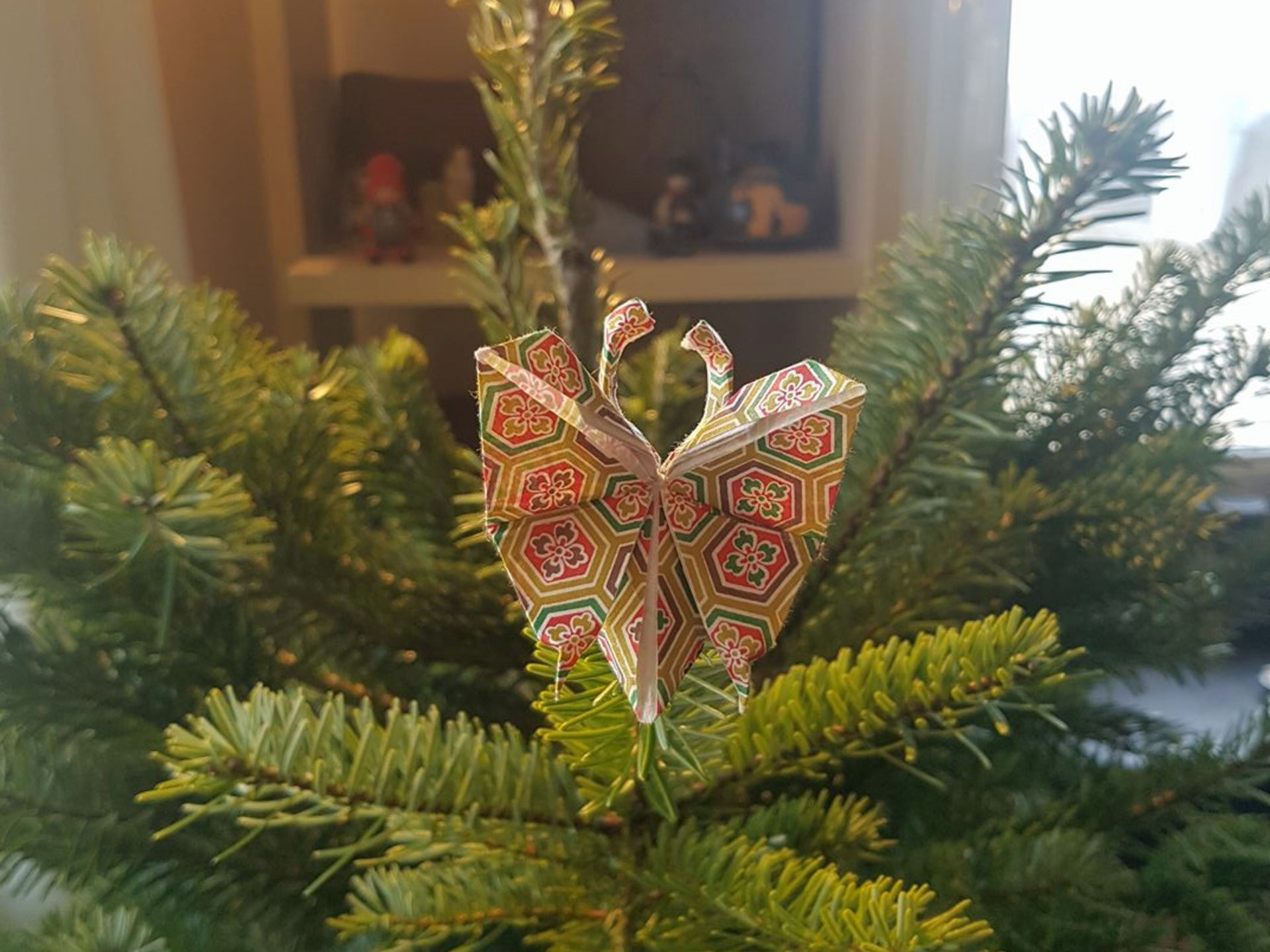 Christmas Trees Decorated With Origami Christmas Ornaments Around The World