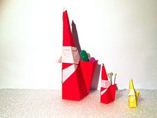 3 Origami Smiling Santa Claus in Taïwan