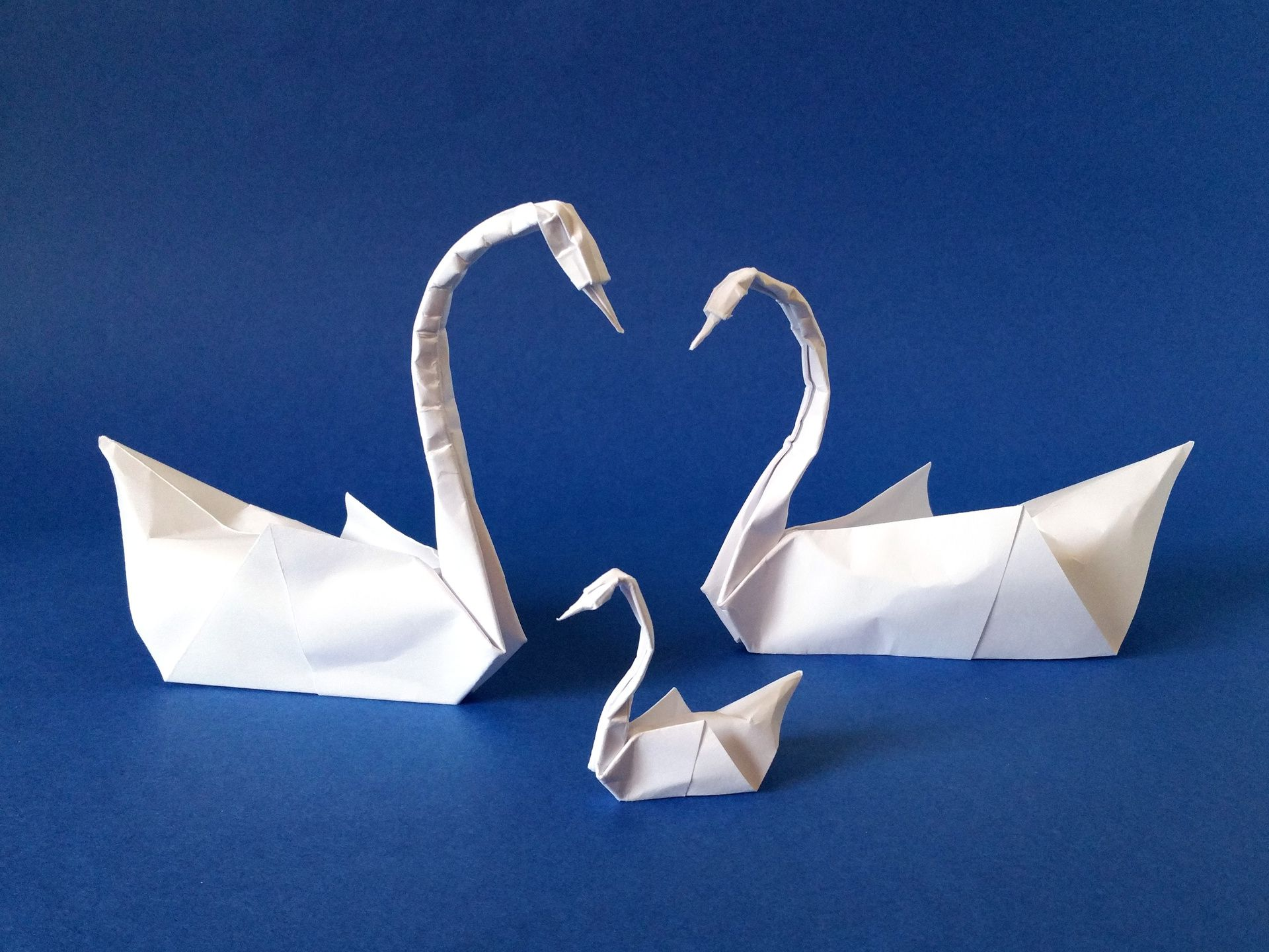 How to origami a swan - Origami Swans Couple And Swanling