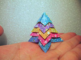 A Very Tiny Origami Christmas Tree